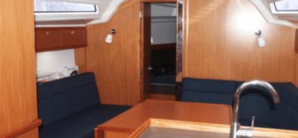 BAVARIA-37-–-37'-Sailing-boat2
