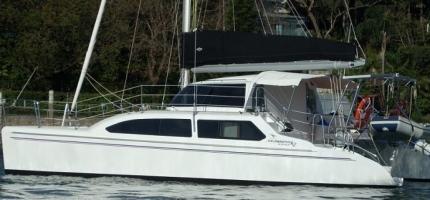 CABARET-–-32′-Sailing-Catamaran1