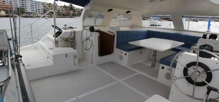 CATALYST-–-32′-Sailing-Catamaran3