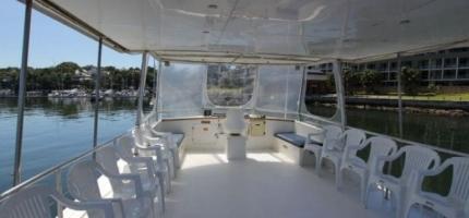CRUISE-CAT-–-Motor-Catamaran-–-PUBLIC-HOLIDAY-3