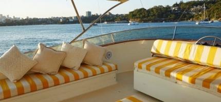 JOHN-OXLEY-–-80′-Luxury-Boat-–-NYE3
