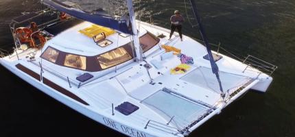 ONE-OCEAN-–-32'-Sailing-Catamaran1