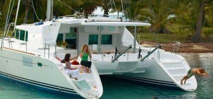 OZCAT-–-45'-Luxury-Catamaran1