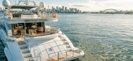 SEVEN-STAR-–-98'-Luxury-Yacht-–-NYE3