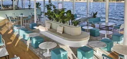 Glass-Island-main-deck