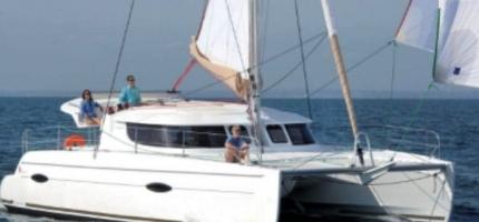 TOO-UP-–-41'-Luxury-Sailing-Catamaran3